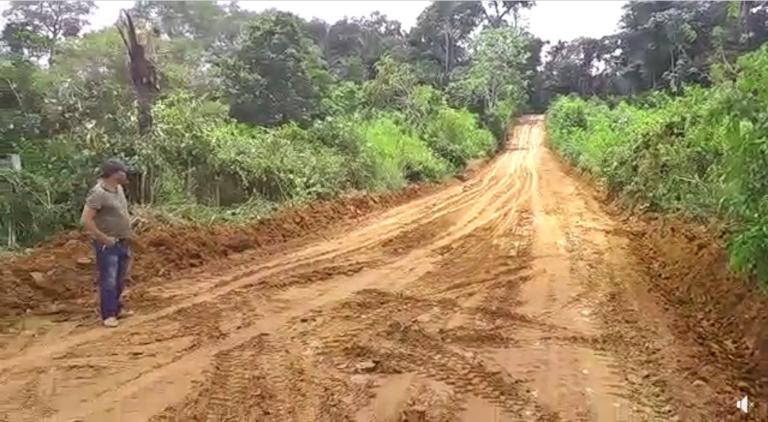 SEMITS faz recuperação da estrada que dá acesso ao Distrito Apolinário