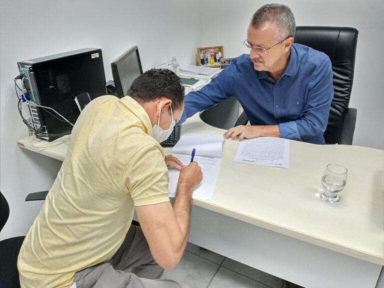 Prefeito assina termo de recebimento do Porto Hidroviário Municipal