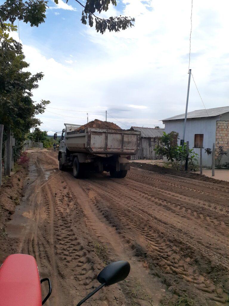 SEMITS realiza trabalho paliativo de recuperação de vias urbanas