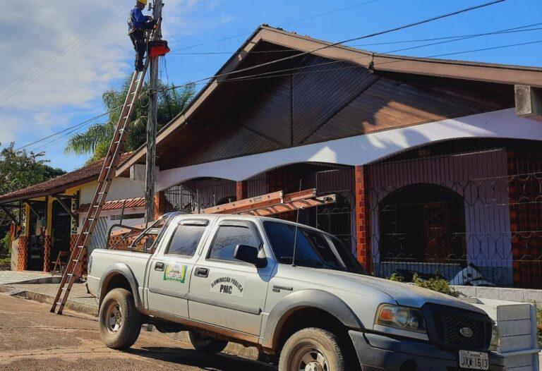 SEMITS realiza manutenção no sistema de iluminação pública